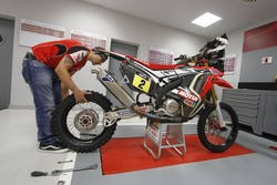 Honda racing DAK15_preparations_06